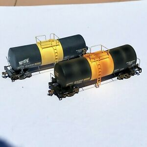 TWO Custom Weathered Walthers AFPX 16,000 Gallon Tank Cars  Molten Sulphur USED