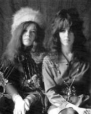 JANIS JOPLIN AND GRACE SLICK - 8X10 PUBLICITY PHOTO (SS005)