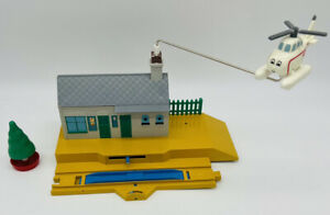 Thomas & Friends Train Tomy Trackmaster Flying Harold Helicopter Station playset