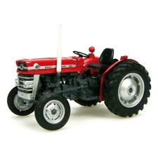 Universal Hobbies UH2785 Massey Ferguson 135 Tractor with Cab Scale 1/32 Red