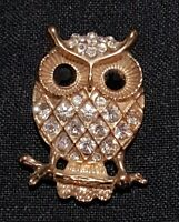 Beautiful Vintage Owl Brooch Gold Tone with crystals Bird Present Christmas Pin