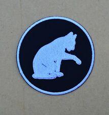 patch, écusson chat blanc fiond noir 9cm, brodé et thermocollant
