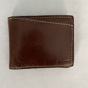 Fossil Leather Bifold Wallet (Brown)