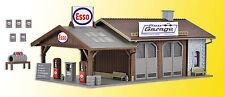 Vollmer 45599 HO Reparaturwerkstatt Pfizis Garage mit Tankstelle Bausatz *Neu*