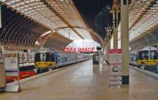 PHOTO  2000 PADDINGTON RAILWAY STATION HEATHROW EXPRESS PLATFORMS JULY 19 VIEW N