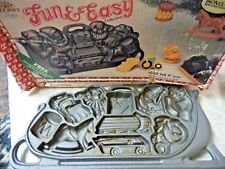 Cast Iron Christmas Santa Sleigh Full Of Fun cookie Candy Mold John Weight 1986