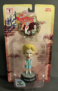 THE MUNSTERS MARILYN MUNSTER LITTLE BIG HEADS SIGNED! SIDESHOW 1999
