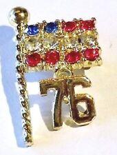 broche bijou vintage 1976 couleur or pampille drapeau cristaux de couleur 1650