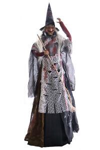 große Hexe stehend Fransenkleid Lachen rote Leuchtaugen 170cm Halloween