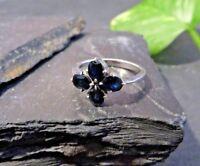 Chicer Silber Ring Saphir Blaue Steine Blume Blüte Funkelnd Modern Elegant Edel