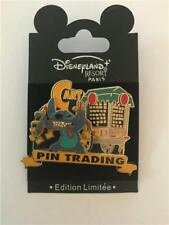 DLRP- DLP WALT DISNEY STITCH INVASION SERIES PIN TRADING CAR) LE 1200 PIN 49330