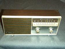 e72f7b12afb Vintage Realtone Solid State Transistor Radio