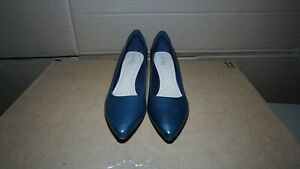 Clarks Womens Linvale Jerica Leather Pointed Toe Classic, Navy Leather 8.5 E
