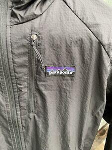 Patagonia women's Houdini Hooded Windbreaker Jacket Item # 24147 Black Small