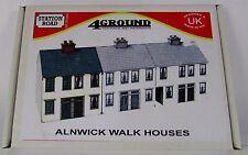 OO Gauge 4GROUND/4TRACK Models OO-SR-104 Alnwick Walk House Kit