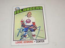 LORNE HENNING AUTOGRAPHED 1976 TOPPS HOCKEY CARD-ISLANDERS