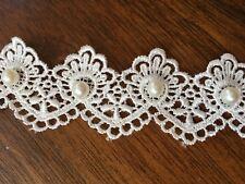 "Guipure//Venice Embroidered Lace White Bow  30mm  1 3//16/"" SLGU1056"