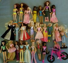 BARBIE DOLL HUGE LOT 25 MCD SMALL BARBIE DOLLS DOLLHOUSE