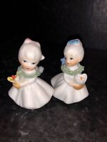 2 Pc Vtg Mini Napco? Porcelain Two Little Girls Blue & pink Bows Flowers In Hand