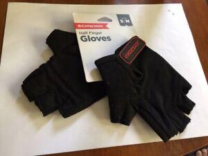 Schwinn Short Finger Cycling Gloves S/M (Hand 8 IN.8½ IN)