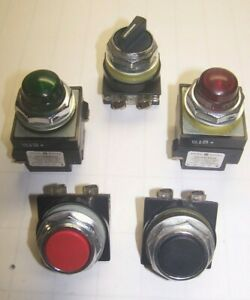 5) GE CR104P RED BLACK PUSHBUTTONS W/ PILOT LIGHTS AND SELECTOR SWITCH  LOT OF 5
