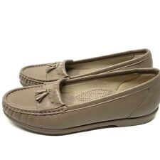 NWOB SAS Tripad Comfort Taupe Leather Kittie Tassel Fringe Loafer Size 9W