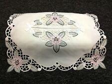 Elegantlinen Embroidered Flower Cutwork Rectangle Fabric Tissue Box Cover