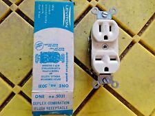 Leviton 125/250V 15Amp Dual Voltage Receptacle Duplex Outlet 5031