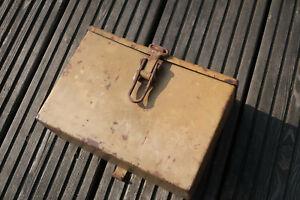 Wehrmacht Panzer Box für die Headsets und Kehlkopfmikrofone Hersteller hhu4