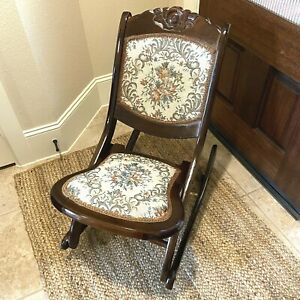 Vintage/Antique Needlepoint Tapestry Carved Wood Folding Rocking Chair Victorian