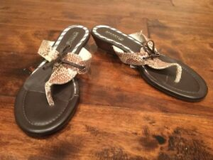 Sperry Top-Sider Brown Snakeskin Print Leather Thong Wedge Sandals, Size 9