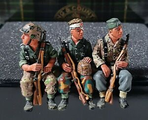 King & Country WS54 WWII - 3 Seated German Riflemen 1:30