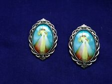"""DIVINE MERCY"" LAPEL PINS (2 pins) EXTRA- LARGE SIZE 1-1/2"" NEW in Pkg"