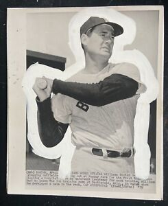 Vintage Original 1959 Wire Photo TED WILLIAMS Sweet Swinging Red Sox Star Bat