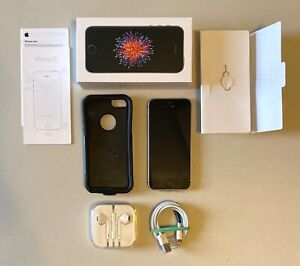 Apple iPhone SE - 32GB - Space Gray (Unlocked) A1723 (CDMA + GSM) 1st Gen