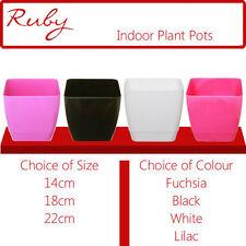 Vasi, cestini e fioriere nero in plastica per piante