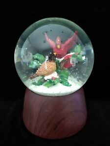 Crystal Clear Cardinals Red Birds Snow Globe w Holly Berry Christmas Music Box
