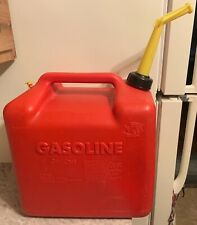 Vintage Chilton Gas Can 5 Gallon Rear Vented Red Poly Model P500 Nice