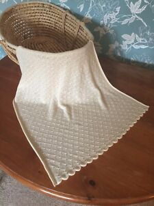 Stunning 100% pure cashmere baby blanket / comforter. Col: Vanilla