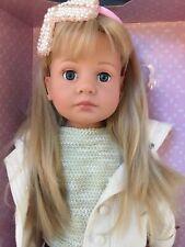 Götz Puppe Emilie mit blauen Augen. Happy Kidz. Gelenkkörper.