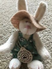 VINTAGE BOYDS BEARS T.F. WUZZIES 2.5 INCH JOINTED MINIATURE DRESSED BUNNY