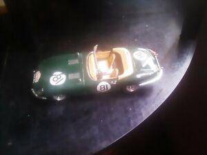 Burago.Jaguar E 1961 Escala.1.18