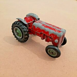 No.K-4 Matchbox King Size McCormick International Tractor 1960-1966.