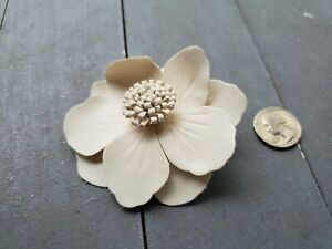 Hair Clip alligator clip claire's flower white leather