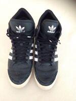 Adidas Schuhe Turnschuhe schwarz weiß Gr 39