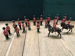 Britains: Grenadier Guards Being Reviewed. Post War c1950. 54mm Metal Figures.