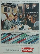 PUBLICITE REYNOLDS STYLO A BILLE DANS LE TRAIN CONTROLEUR DE 1967 FRENCH AD PEN