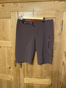 Specialized Mountain Bike Trail Shorts Stretch Plastic Belt Perforated Cycling M