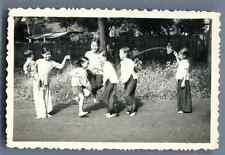 Indochine, jeux d'enfants Vintage silver print  Tirage argentique d'