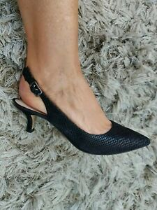 Clarks Narrative Ladies Womens Shoes Size 5 Black Leather Point Toe Mid Heel...